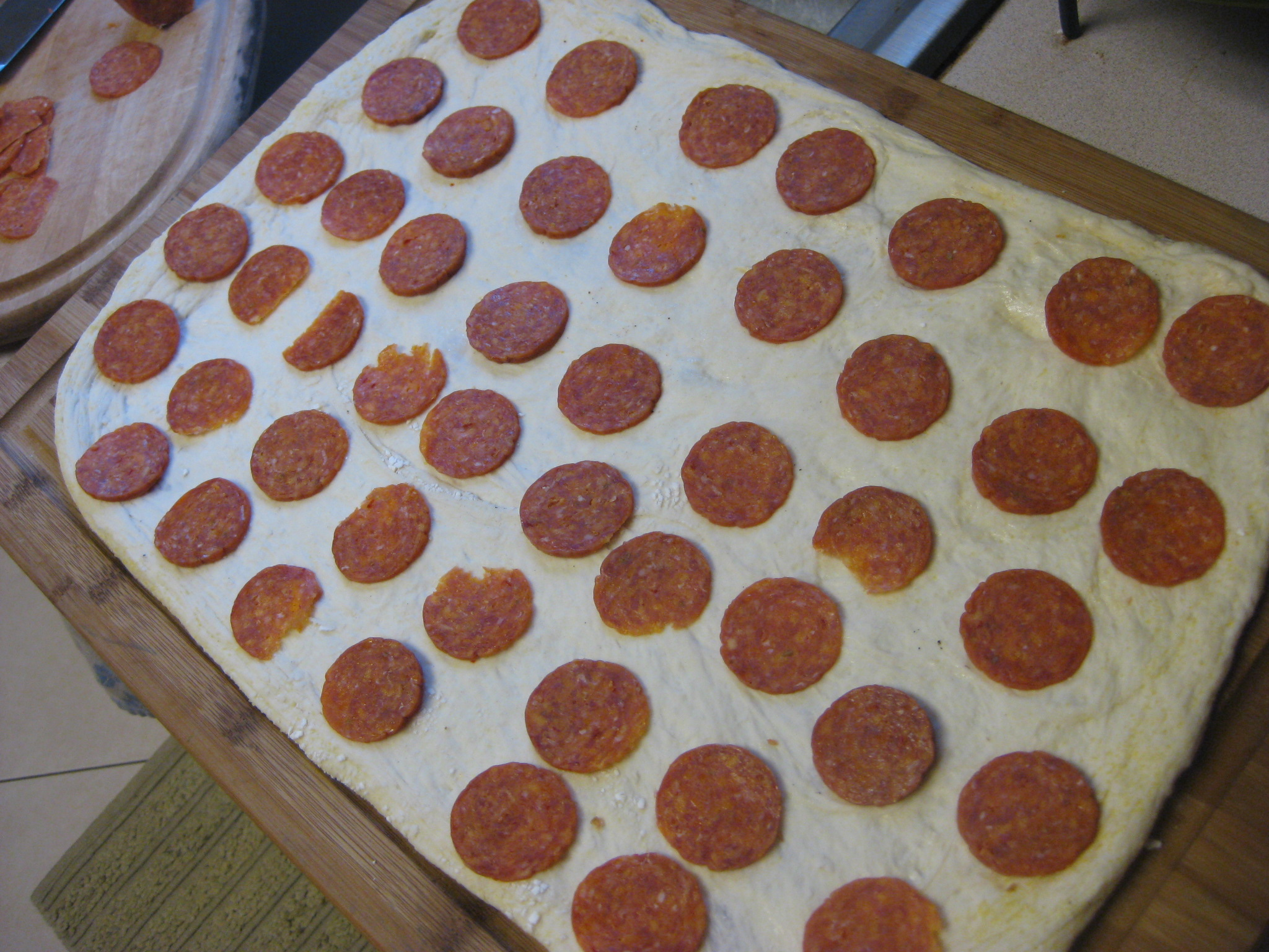 how to make pepperoni pizza dough