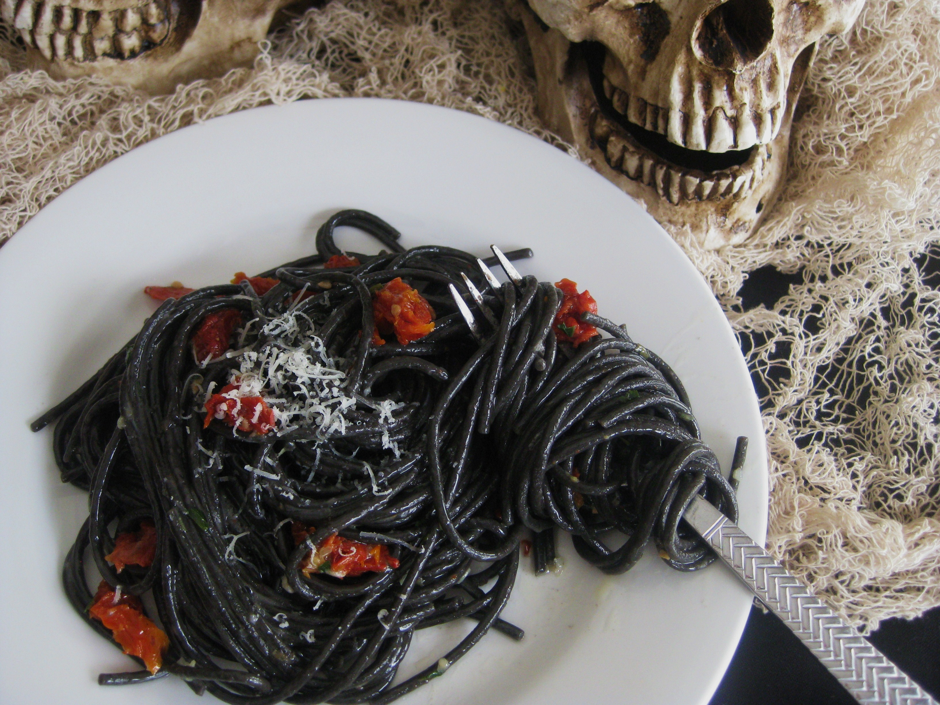 halloween dinner ii black spaghetti with garlic parmesan and sun dried tomatoes